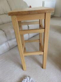 Crofter Solid Oak Pad Bar Stool