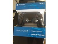4x PS4 controllers - 35 each