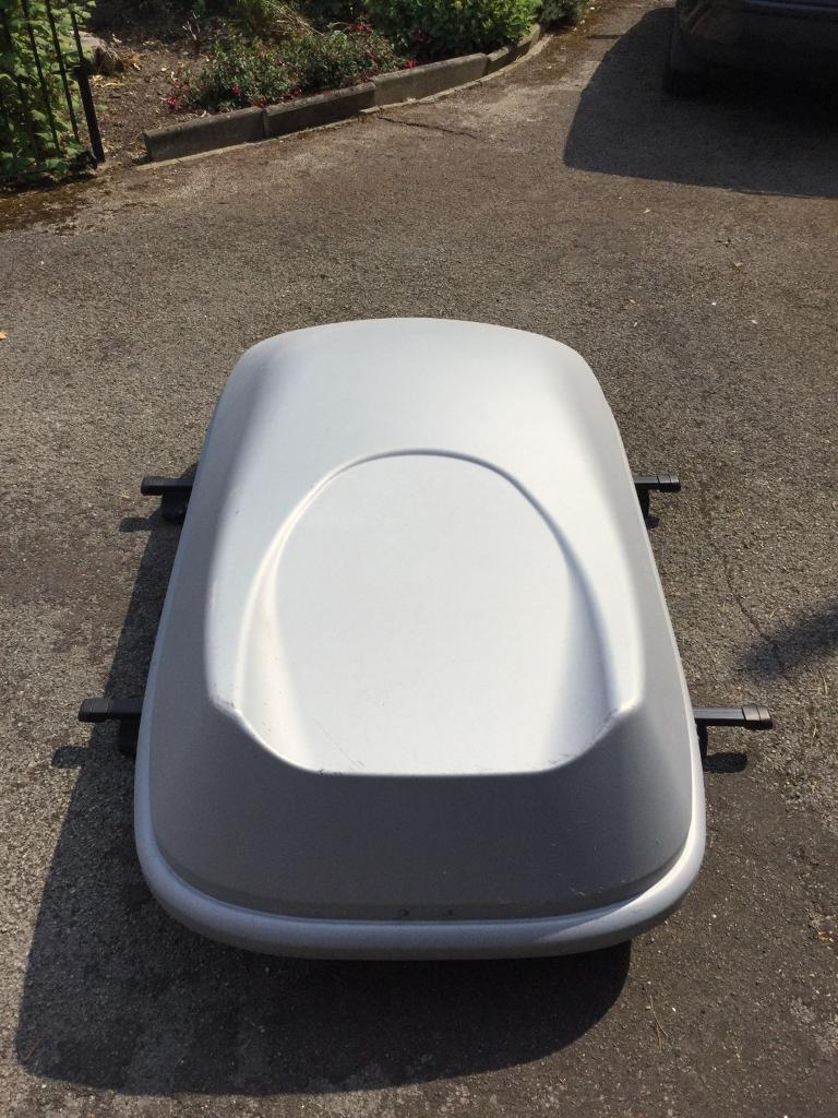 HALFORDS 320L GREY ROOF BOX MADE BY THULE