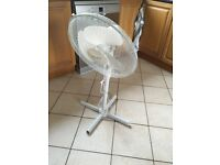 Cooling Fan - on stand - oscillating - 4 Speed