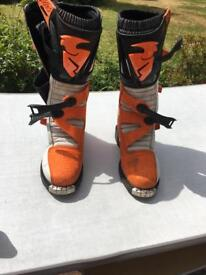 THOR motocross boots size 11. Excellent condition