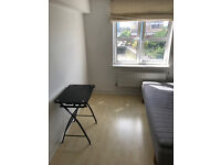 Large room to rent in Rotherhithe