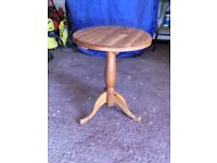 solid pine round table for sale