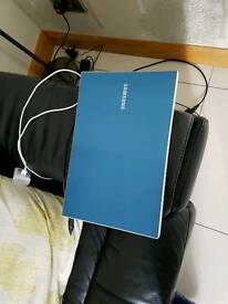 Samsung NP305v5a AMD Quadcore laptop