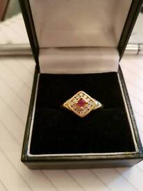 STUNNING Ruby & Diamond 18ct Gold Ring