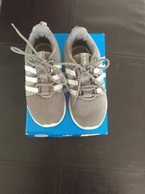 Toddler size 6 Adidas trainers