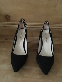 Black suede shoes size 8/41 brand new in box