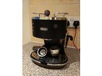De'Longhi Icona Vintage ECOV310.BK Espresso Machine + Coffee Set
