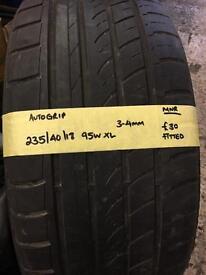 235/40/18 95W XL autogrip