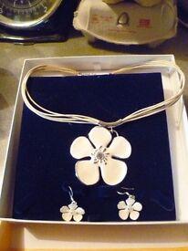 SMEGG Beautiful White ceramic pendant