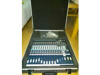 Soundcraft EFX 12 + case