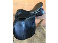 Vsd Kent and masters saddle 17.1/2