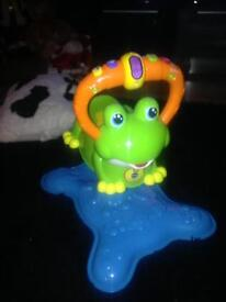 Bounce and spin frog excellent condition
