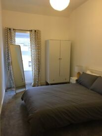 Double room for rent in amazing West End location