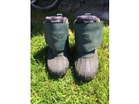 Carpkinetics men's boots size 9