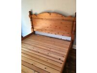Kingsize Bed in Pine