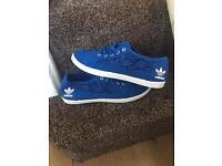 Ladies blue adidas lace pumps