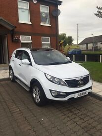 2013 KIA SPORTAGE 2. MOT 15/03/18. FSH, JUST BEEN SERVICED. INCLUDES PANORAMIC ROOF AND SIDE STEP.