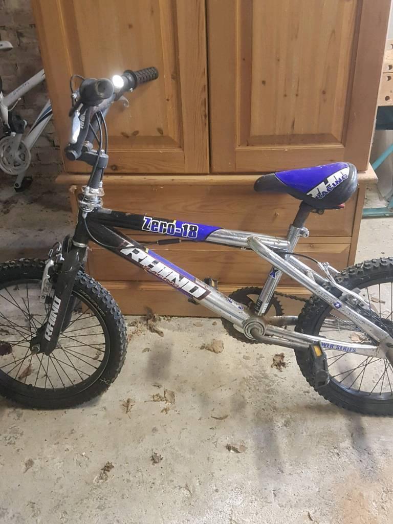 2 x boys bikes