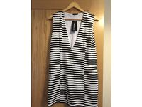 Pretty little thing striped dress. SIZE 6 BNWT