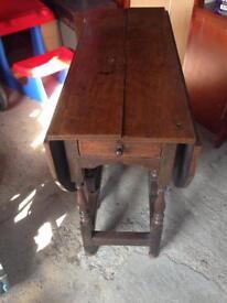 Antique wooden gateleg dropleaf table