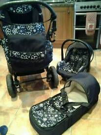 Magnum Baby Lux pram, car seat and carrycot