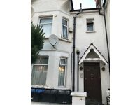1 Bedroom Flat to Rent in Palmers Green N13.