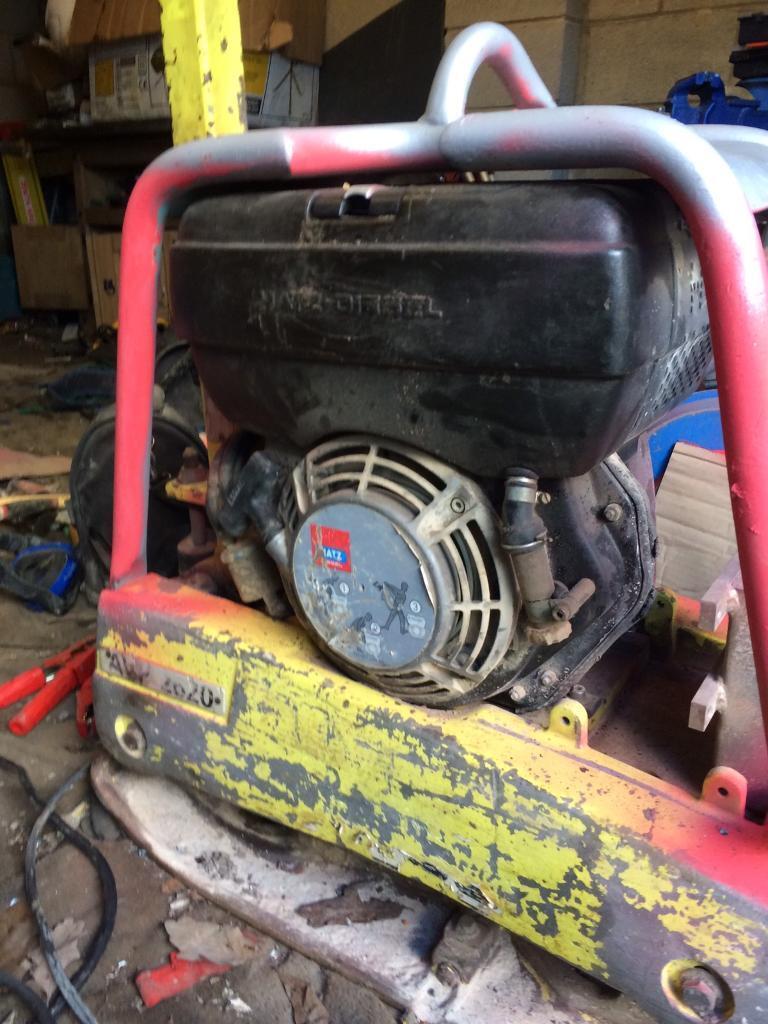 Diesel whacker plate compactor