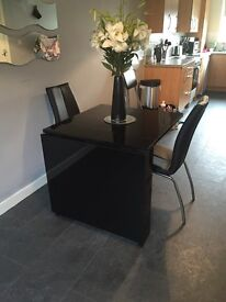 Black high gloss folding table