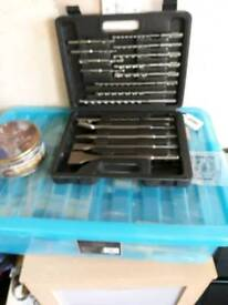 New 17 piece sds drill bits and chisel bit set in a case