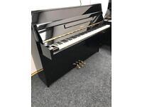 Yamaha Upright Piano M1J Compact Black