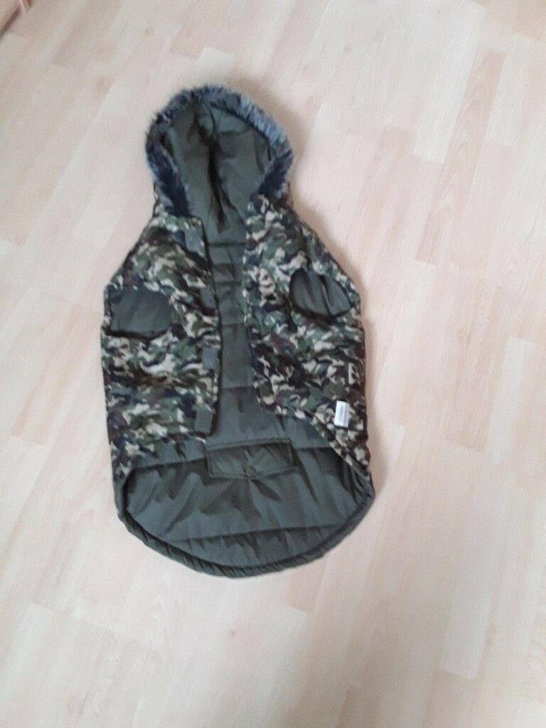 Dogs Coat X L From Pets At Home Camaflage Colour With Hood Only
