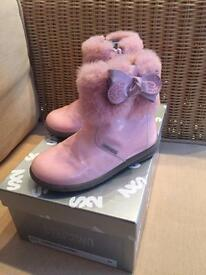 Girls Step2wo pink boots size 24 (6)