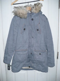 Ladies very warm parka coat/jacket size 16 from Atmosphere. Very good condition.