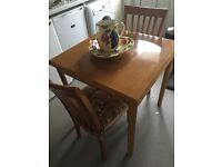 Square Small pine wood dinning table for quick sale