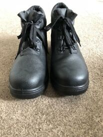 Black steel toe safety boots size 10