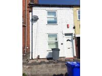 **LET BY** 1 BEDROOM STUDIO FLAT- BURSLEM -LOW RENT- NO DEPOSIT -DSS ACCEPTED - PETS WELCOME