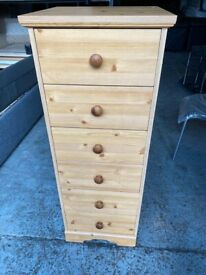 WOODEN BEDSIDE CABINET IN GOOD CONDITION CAN DELIVER