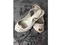 Size 6 Wedding shoes