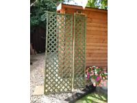 Fence trellis 4 x 6 ft x 2ft and 2 x 6 ft x 1 ft good condition