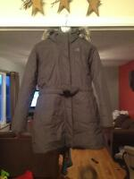Woman's North Face Parka    *******SOLD