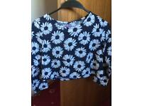 Girls short top with long sleeves