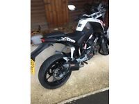 PRICED TO SELL ktm duke 125 2014 with carbon exhaust system
