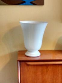 Elegant Glass Lamp (White)