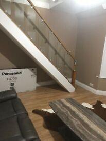 Lovely Large Split level Studio/Bedsit to rent in Church Avenue LE3 6AJ