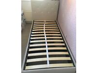 Single bed with drawer, excellent condition