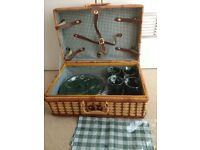 PICNIC HAMPER - WITH PLASTIC CROCKERY AND CUTLERY -BRAND NEW