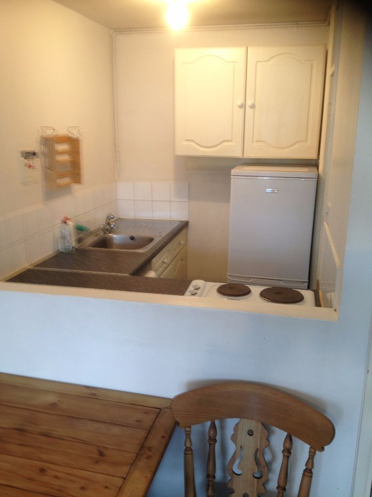 1 BED FLAT TO RENT IN WANSTED FOR £950PCM! LESS THAN 10 MINS WALK TO WANSTED STATION.
