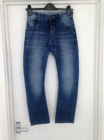 **ONLY BEEN WORN ONCE** Boys size 10-11 years blue denim jeans from Geroge