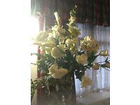 WHITE FAUX ARTIFICIAL ROSE FLOWER BOUQUET - EXCELLENT CONDITION